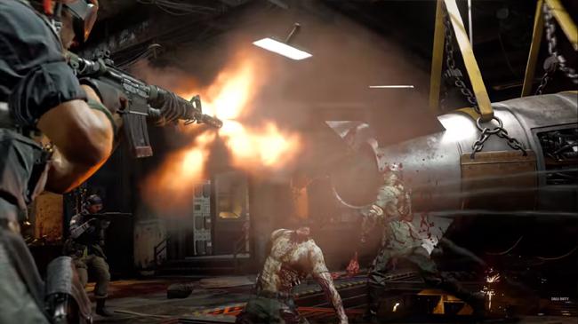 Die Maschine fighting zombies